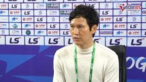 """HLV Park Choong-kyun """"sẵn sàng ra đi"""" nếu Hà Nội FC không lọt top 6"""