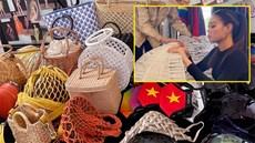 Khánh Vân mang gần 200 váy áo thi Hoa hậu Hoàn vũ 2020