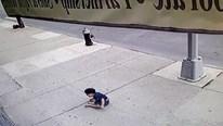 Khó tin cảnh bé 3 tuổi sống sót sau khi rơi từ tầng 5