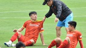 Bùi Tiến Dũng 'uất ức' khi HLV Park quyết không cho 'cặp' với Đình Trọng
