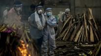 Covid-19: Ấn Độ cầu viện cựu nhân viên y tế, EU không đặt hàng AstraZeneca