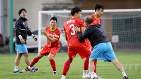 """HLV Park Hang Seo khiến học trò toát mồ hôi vì trò chơi""""lạ"""""""