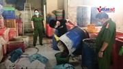 Bắt 2 tấn ốc ngâm hoá chất công nghiệp chuẩn bị ra chợ đầu mối Sài Gòn