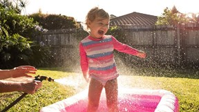 Nghỉ hè đúng mùa dịch, làm gì để trẻ luôn bận rộn, không nhàm chán?
