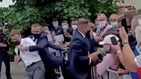 Tổng thống Pháp Macron nói gì về vụ việc bị tát khi đi gặp gỡ người dân?