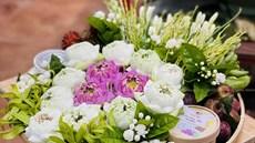Mâm lễ Tết Đoan Ngọ kết hoa quý giá tiền triệu, cửa hàng vẫn bán 500 suất