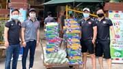 Lương Gia Huy, Lâm Vũ làm từ thiện suốt đêm giữa mùa dịch