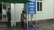 Phát gạo miễn phí hỗ trợ khẩn cấp bà con lao động nghèo ở Phú Quốc