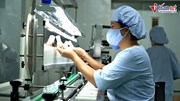 Xem dây chuyền sản xuất thần tốc dung môi pha tiêm cho vaccine Pfizer