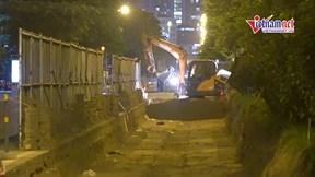 Xuyên đêm thi công mở rộng đường Tôn Thất Thuyết tránh ùn tắc giao thông