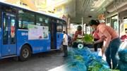 TP.HCM: Độc đáo 'siêu thị trên xe buýt' bán hàng bình ổn giá cho dân