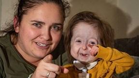 """Cô bé duy nhất trên thế giới mang gen đột biến của """"dị nhân"""""""