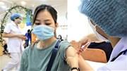 Người Hà Nội xếp hàng tiêm vắc xin, chiến dịch tiêm chủng lớn nhất bắt đầu