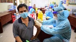 TP.HCM bắt đầu tiêm vắc xin cho 62000 shipper, lái xe công nghệ