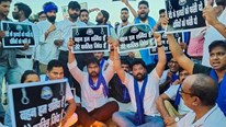 Vụ án cưỡng bức, thiêu xác bé gái khiến dân Ấn Độ biểu tình trong phẫn nộ