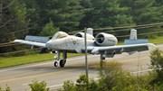 Mỹ diễn tập cho cường kích cơ 'lợn lòi' A-10 Warthog hạ cánh trên cao tốc