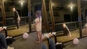 Trổ tài nhảy dây trước mặt cháu gái, cụ ông làm sập cả ban công