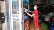 Vùng xanh ở Hà Nội cho bán mang về, chủ hàng ăn hồ hởi chuẩn bị
