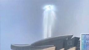Cột sáng kỳ lạ xuất hiện trên bầu trời Trung Quốc