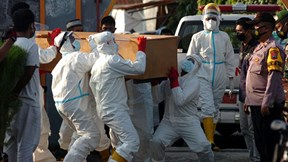 Covid-19: Pháp điều tra cựu Bộ trưởng Y tế, Bangkok mở cửa đón du khách