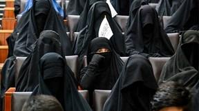 Taliban ra quyết định với nữ sinh, phụ nữ Afghanistan xuống đường ủng hộ