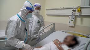 Cứu sống bệnh nhân Covid-19 bị ung thư đại tràng, nguy cơ tử vong cao