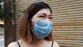 Người hâm mộ khóc thương trước nhà riêng Phi Nhung