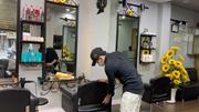 TP.HCM trước 1/10: Hàng quán rục rịch, tiệm cắt tóc kín lịch cả tuần