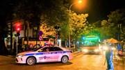 Trắng đêm đưa 150 F1 ổ dịch Bệnh viện Việt Đức đi cách ly