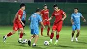 Tuyển VN 'vui lạ', Thành Chung giấu bài đối phó cầu thủ nhập tịch TQ