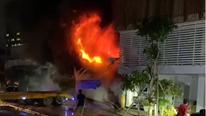 TP.HCM: Cháy lớn tại gara ôtô, 4 xe bị thiêu rụi