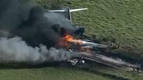 Mỹ: Máy bay cháy thành tro, 21 người thoát trong gang tấc