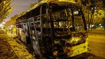 Xe giường nằm cháy ngùn ngụt trên đại lộ TP Thủ Đức