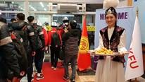 U23 Việt Nam 'đổ bộ' Kyrgyzstan, cầu thủ thích thú với món quà bất ngờ