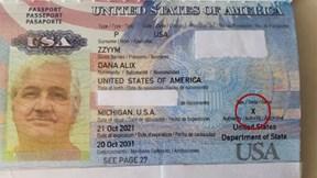 """Cận cảnh cuốn hộ chiếu đầu tiên với tùy chọn giới tính """"X"""" của Mỹ"""